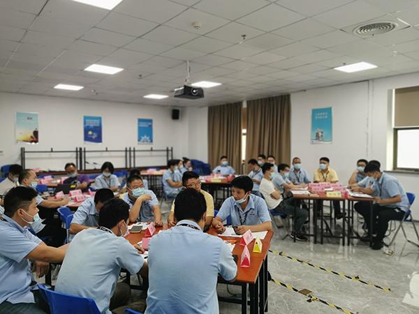 祝贺丁坚老师三次返聘《金牌面试官》在上海某电脑配件公司培训成功!